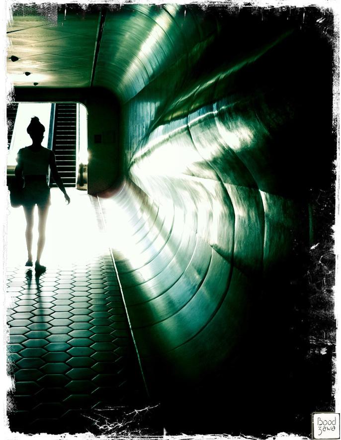 femme-silhouette-metro