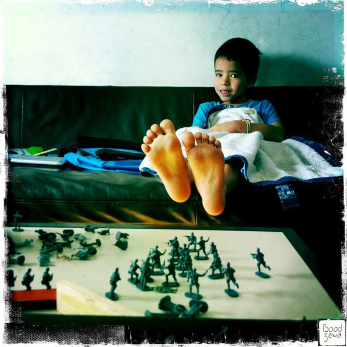 pieds-enfants-soldats