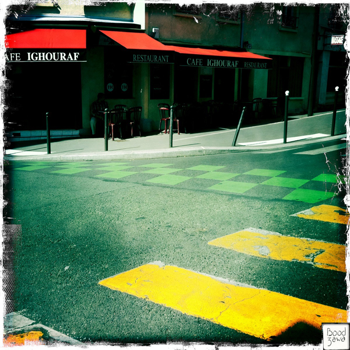rue déserte Paris